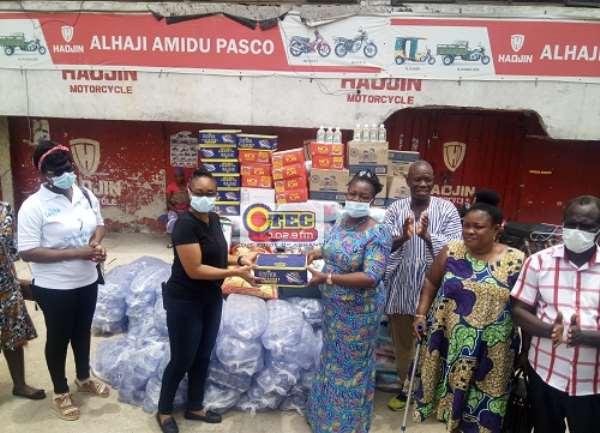 Coronavirus: GMWA Donates Food Items To 150 Pregnant And Nursing 'Kayayes' In Kumasi
