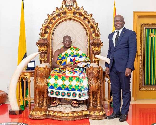 UMB CEO pays courtesy call on Otumfuo at Manhyia Palace