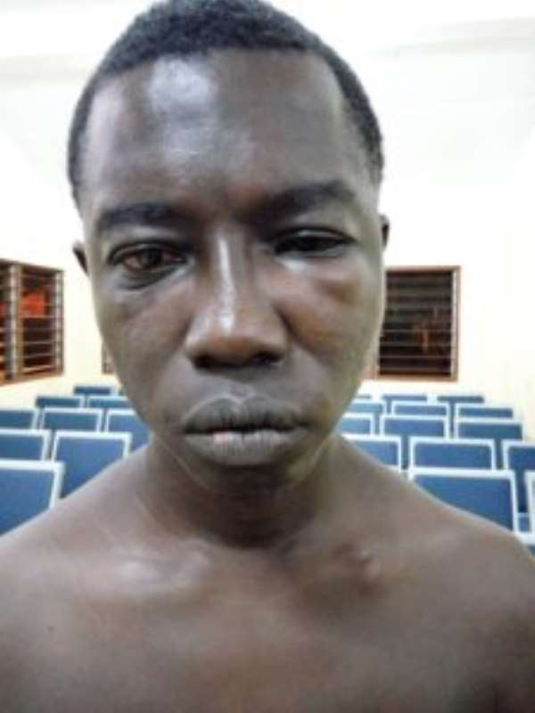 Police Officer Saves Trader From Being Lynched Over Gh¢7