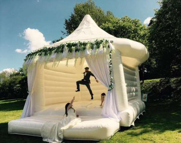 "The New Trend For  Wedding Are ""Bouncy Castles"""