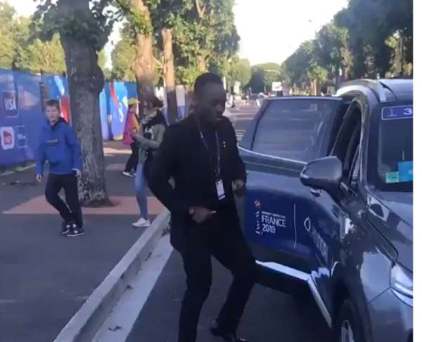 Michael Essien Demonstrates His Dancing Moves On The Street Of France [VIDEO]