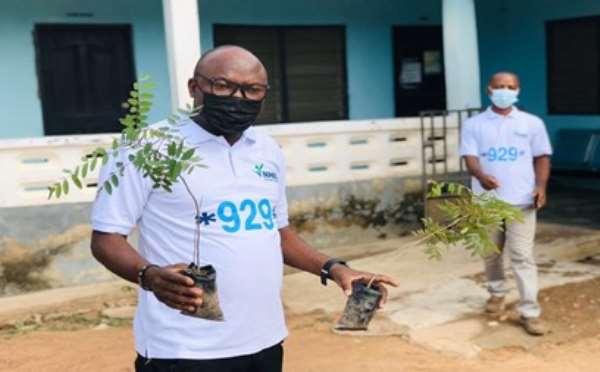 Green Ghana: Bole NHIA plant trees