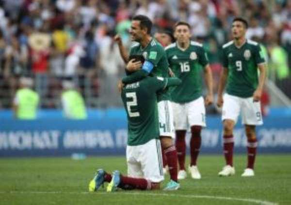 2018 World Cup: Brilliant Mexico stun champions Germany