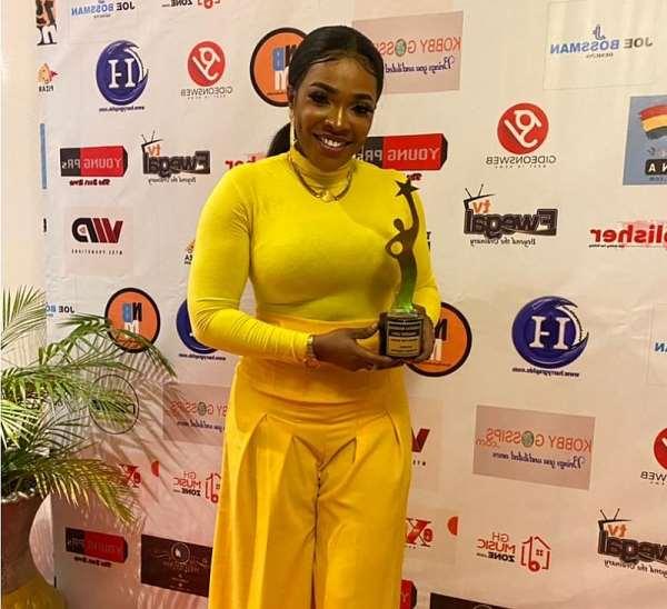 Jayana grabs Award for Music at 2021 Under 30 Women Awards