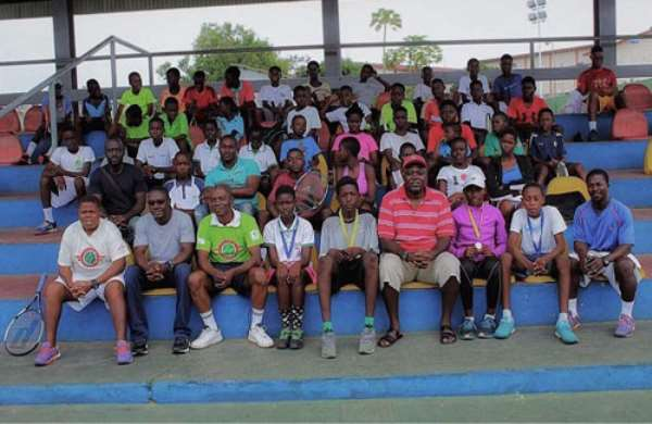 Participants, Duah and other officials pose after the tourney