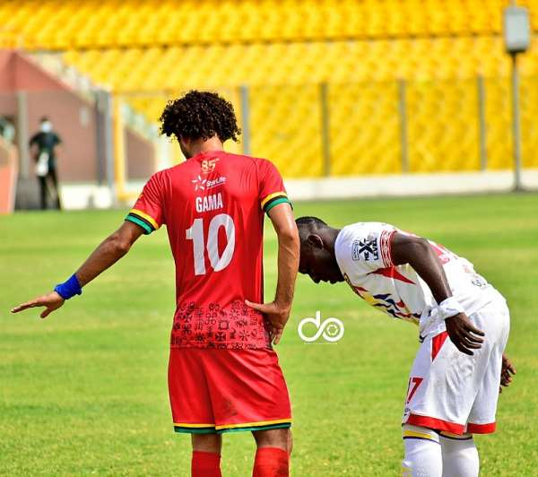 Kotoko midfielder Fabio Gama congratulates Hearts of Oak for winning Premier League