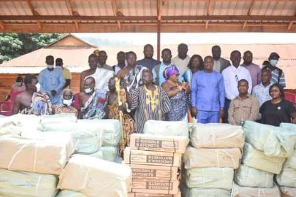 E/R: Bryan Acheampong donates farm inputs worth Ghc500,000 to farmers in Kwahu East