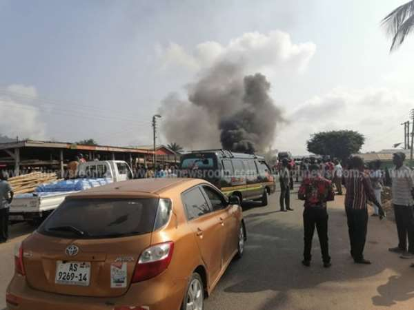 Juapong Residents Protest, Block Road Over Murder Of Businessman