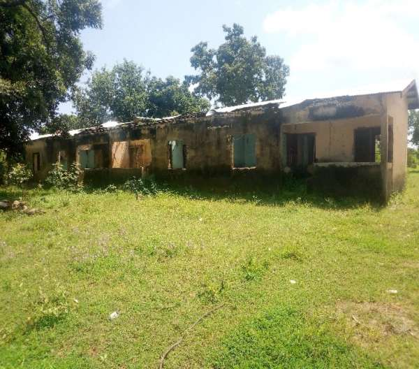The Poor State of Pulbaa Primary School Teachers Quarters