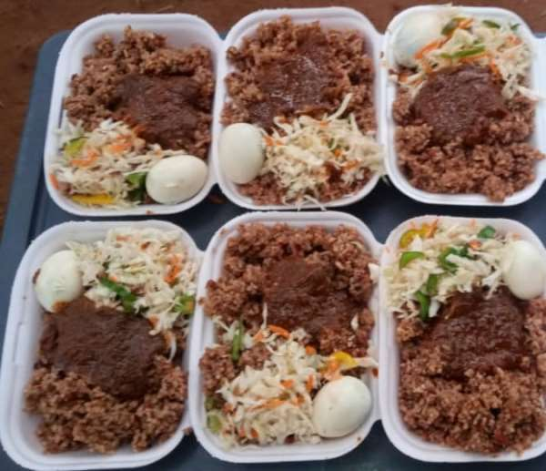 Parents, Students In Volta, Oti, Other Regions Applaud Gov't's 'ONE HOT MEAL' For JHS Students