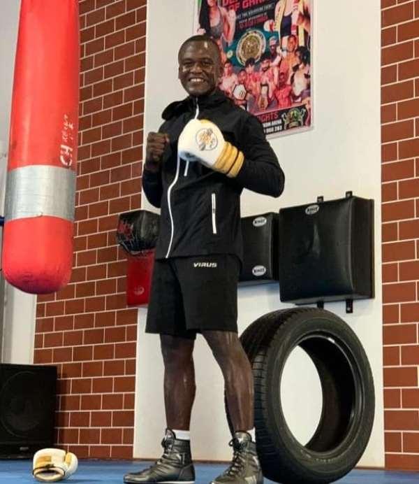 Ghana's Lawrence Nyanyo Nmai Gets BIBA Professional Boxing Coaching License
