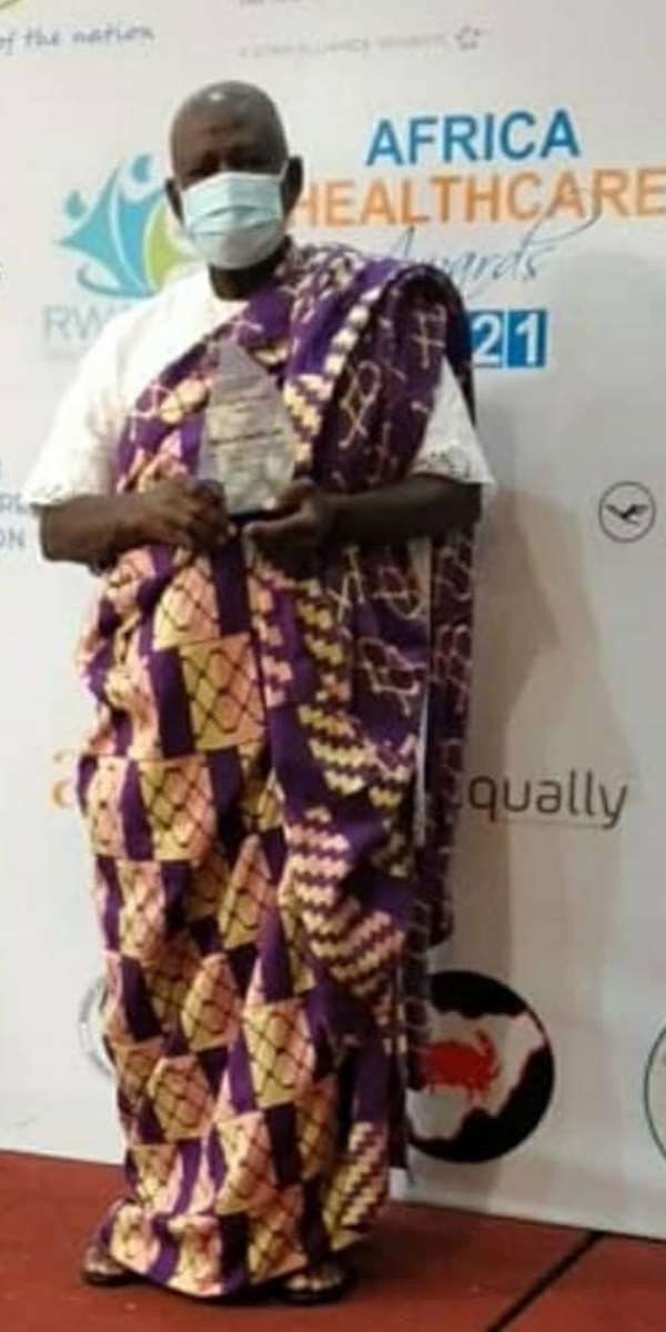 GCUC founder receives award for promoting health education in Africa