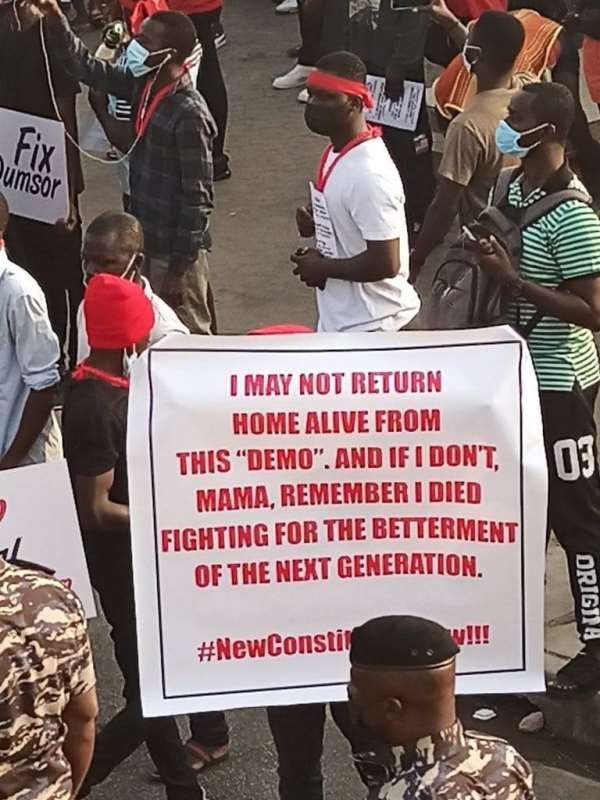 PHOTOS: Ghanaians hit the streets of Accra for #FixTheCountry demo