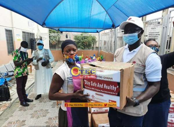 Kumasi: Street Children Project Donates Food Items To Over 200 Street Children