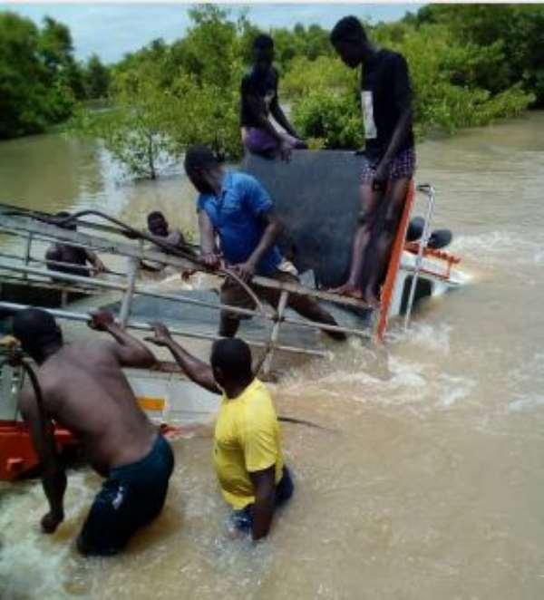 Weeklong torrential rainfall splits Daboya-Busunu road, Kia Truck sinks in flood waters