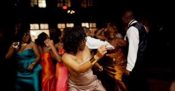 Never Forgive Your Friends If They Don't Make Your Wedding This Lit