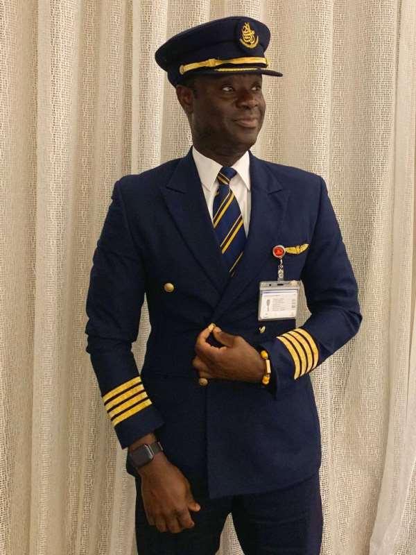 Captain Solomon Quainoo Grabs 'Africa Travel 100' Award In Nigeria