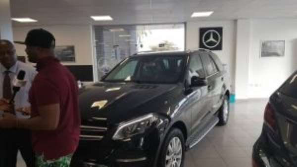 Silver Star Auto Presents Brand New Mercedes Benz To Boxer Isaac Dogboe