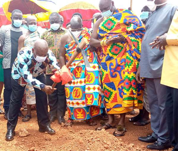 Kwaku Agyeman-Manu breaking the ground for the commencement of the project