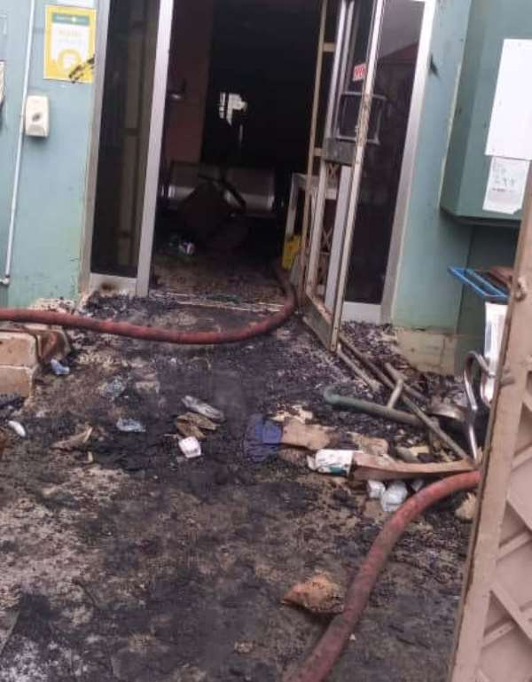 A/R: Fire officer collapses whiles fighting fire outbreak at Gary Marvin Hospital in Kotwi, rushed to KATH