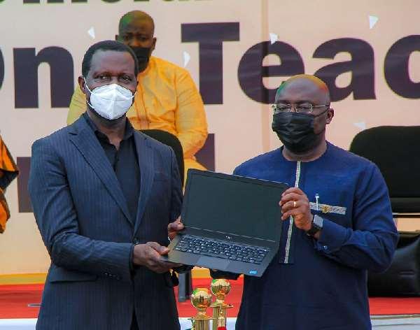 1T1L: GES commences distribution of TM1 laptops to teachers