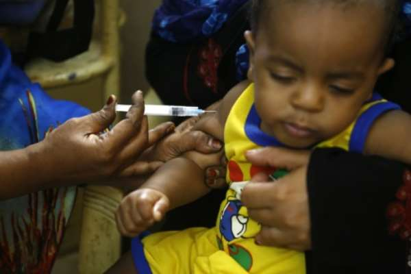 Risk of major measles outbreaks as countries delay vaccination drives
