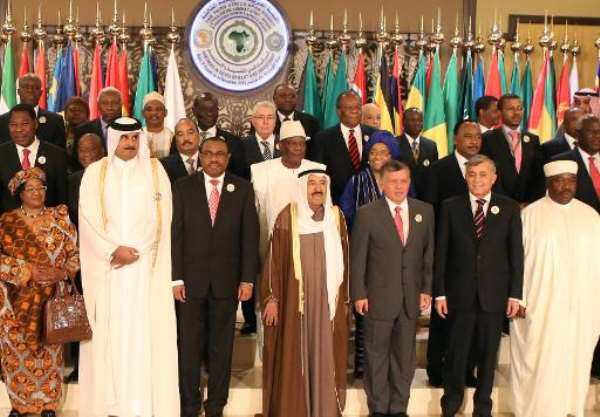 Kuwait's Emir Sheikh Sabah al-Ahmad Al-Sabah (centre) poses with Arab and African leaders at the start of a summit meeting in Kuwait City on November 17, 2013.  By Yasser al-Zayyat (AFP/File)