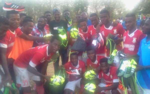 Black Stars defender Daniel Amartey donates footballs and boots to Divison One side Vision FC