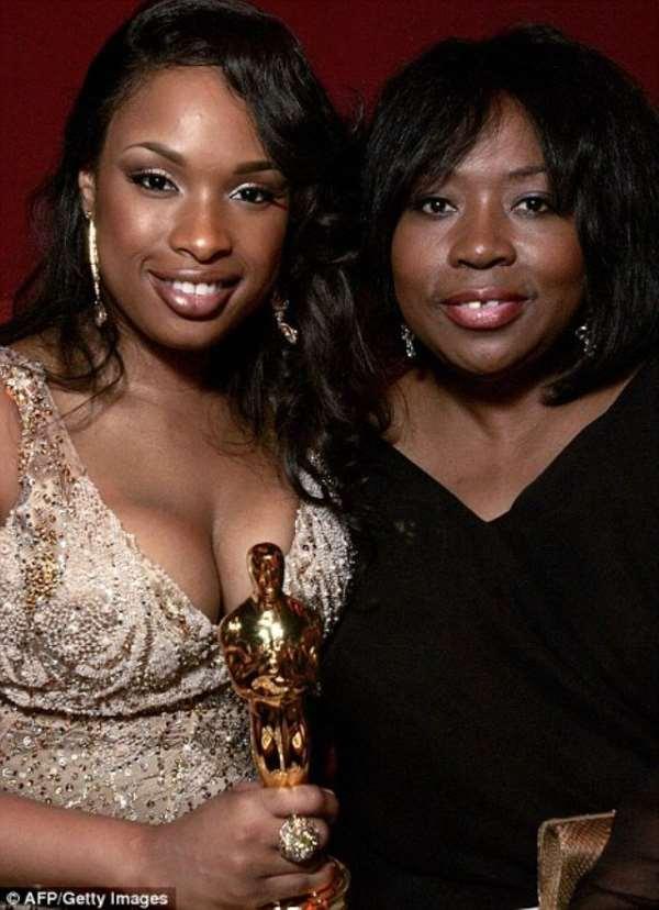 Jennifer Hudson and her mother Darnell