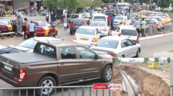 Relocation of utilities causes traffic jam at Kwame Nkrumah Circle