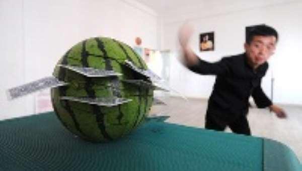 Kung fu card hurler