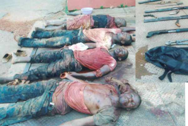 4 robbers shot dead …Police in manhunt for two others