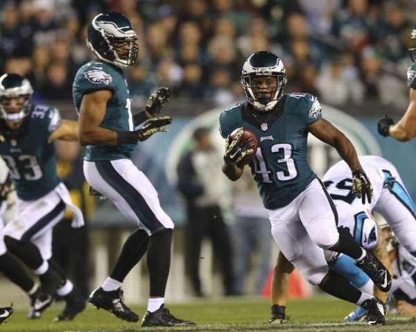 Philadelphia Eagles dominate Carolina Panthers