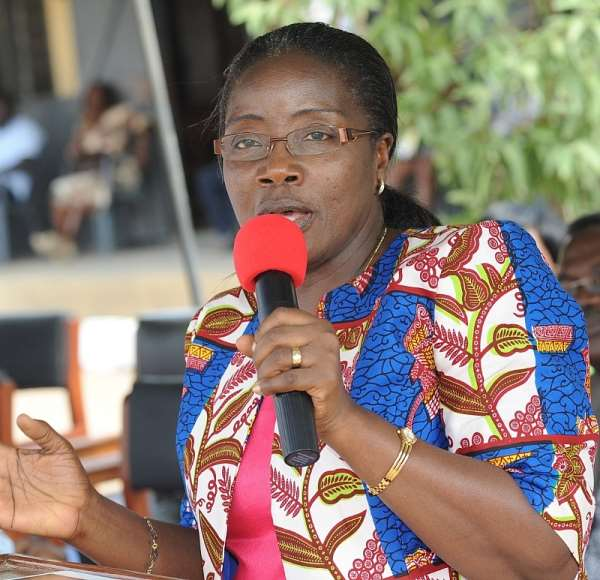 Wife of Veep donates to Huni-Valley Health Centre