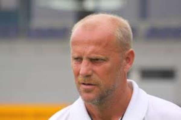 Schaaf starts Hanover's bid for safety; Szalai arrives on loan