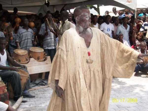 GHANAIANS SAMPLE OKOMFO NANA KWAKU BONSAM'S GOSPEL MUSIC ON HOT FM