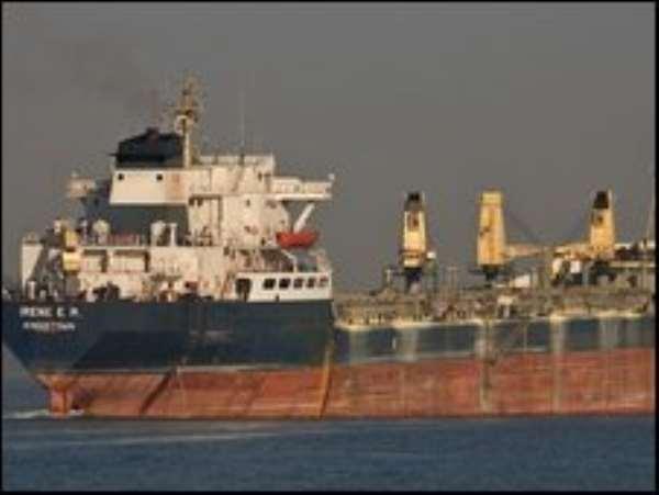 Somali pirates fight over huge tanker ransom