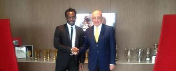WATCH PHOTOS: Michael Essien trains with AC Milan