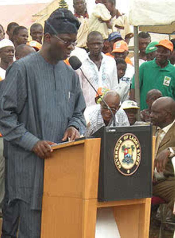 Withdraw The Military From Lagos Immediately. Fashola Tells President Jonathan