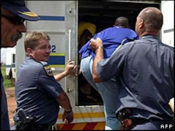 South African mob kills migrants