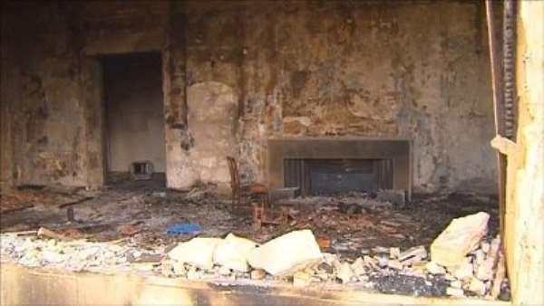 Libya crisis: UN to quit Tripoli amid mob attacks