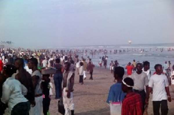 Holiday makers mark Easter with funfair at Dansoman Beach