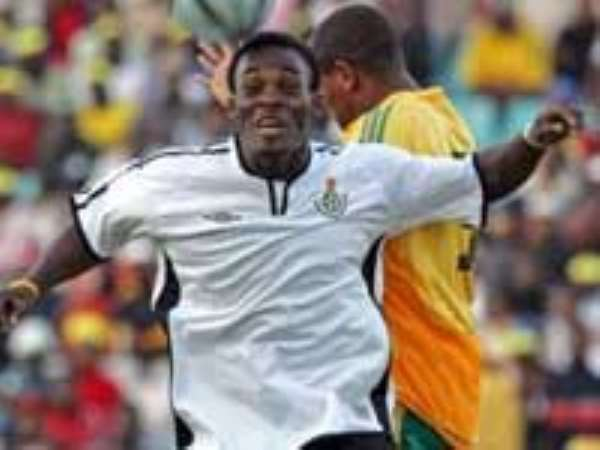 Micheal Essien  Wins BBC African Footballer Of The Year 2006