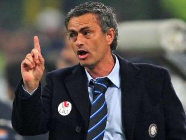 Angry Mourinho questions Barca 'power'
