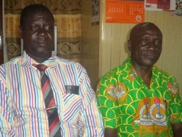 Mr. Yaw Gyan (right) with the Organiser, Kwasi Okrah