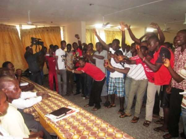 UCC STUDENTS GO HAYWIRE ……As Nduom storms their Campus.