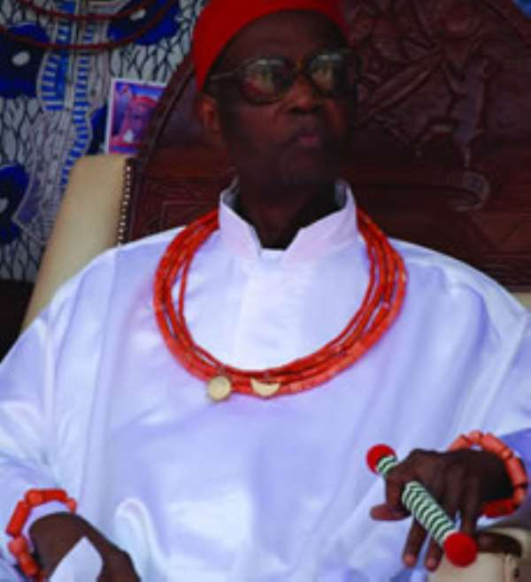 Oba of Benin Disgraced a PDP Candidate, refused to pray for him, sent them out of the palace