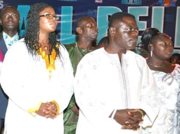 Mr and Mrs Kwame Kyei praying for Ghana