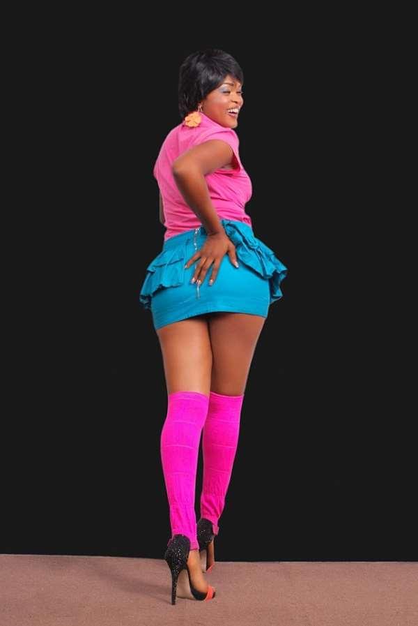 Nollywood actress Collette Orji looking Collette Orji-licious (photos)