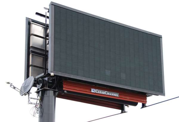 Road Safety Commission to pull down electronic billboards along busy streets